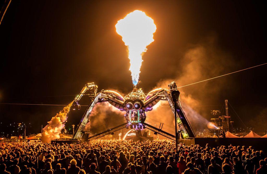 Glastonbury spider stage