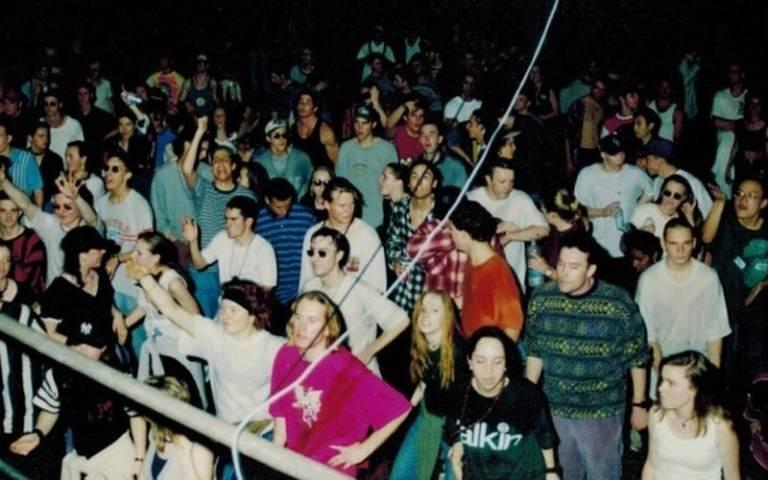 Discover 90s Techno Rave Classics - Techno Station